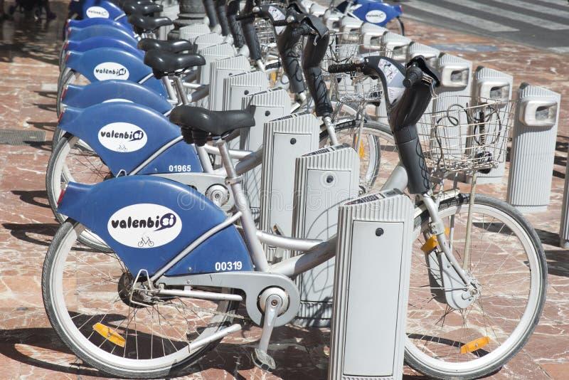 Cyklar för hyra i Valencia fotografering för bildbyråer