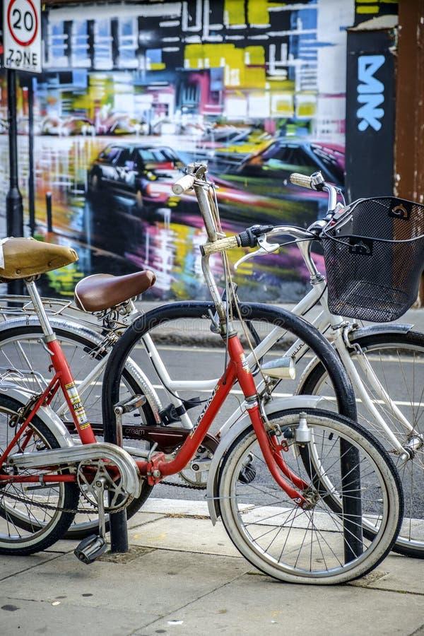 Cyklar i Camden London royaltyfri fotografi