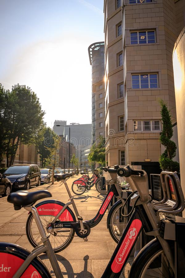 Cyklar i London arkivbild