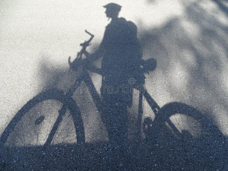 Cyklista - cień obrazy royalty free