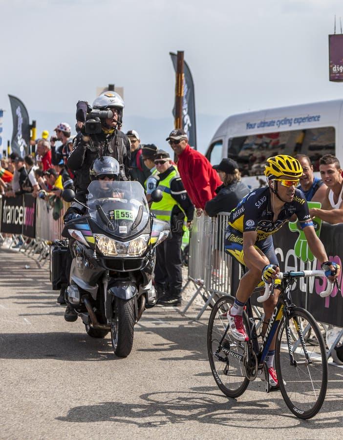 Cyklisten Alberto Contador på Mont Ventoux fotografering för bildbyråer