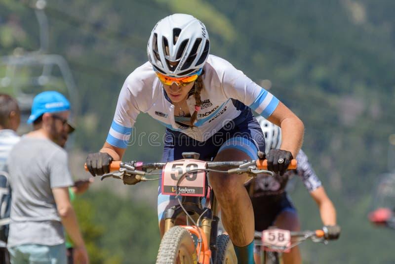 CYKLISTER i den MERCEDES-BENZ UCI MTB VÄRLDSCUPEN 2019 - XCO Vallnord, Andorra på Juli 2019 arkivbilder