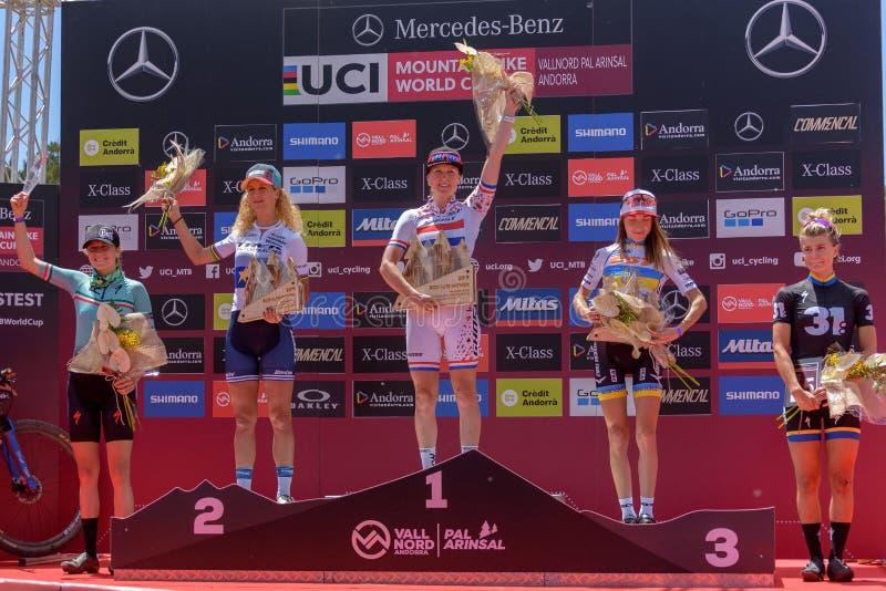 CYKLISTER i den MERCEDES-BENZ UCI MTB VÄRLDSCUPEN 2019 - XCO Vallnord, Andorra på Juli 2019 royaltyfri bild