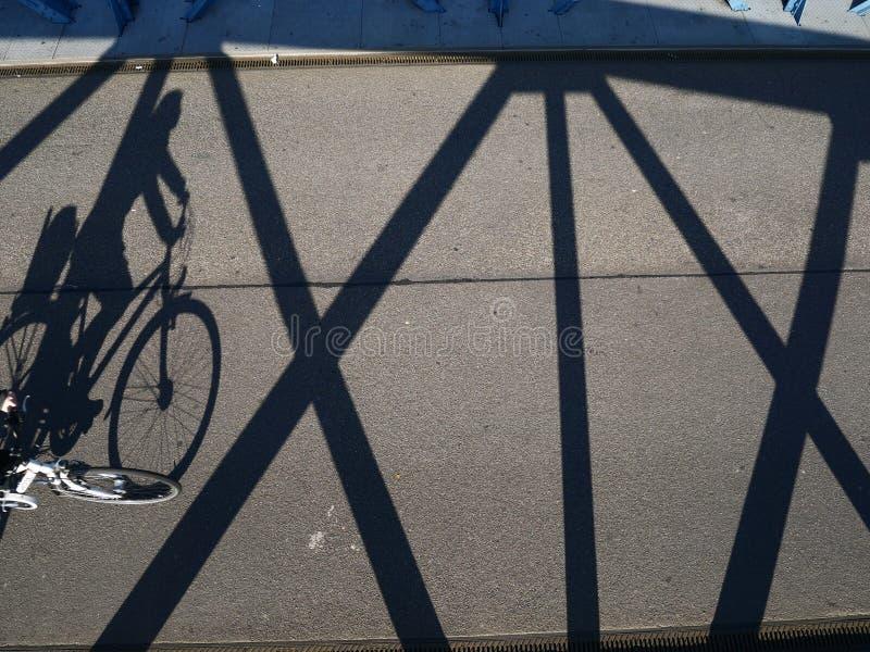 Cyklisty cień fotografia stock