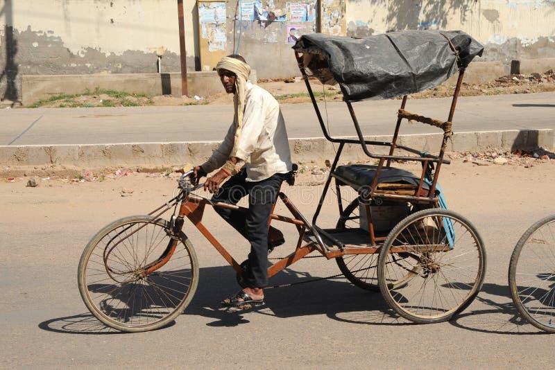 Cyklu riksza. India. zdjęcie stock