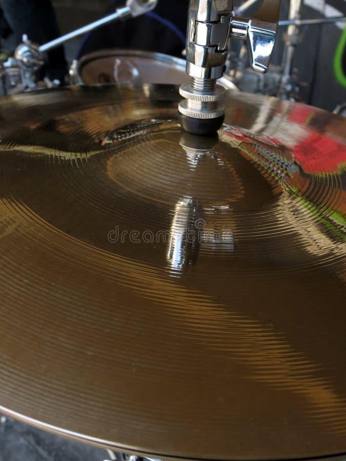 Cymbales avec la réflexion de graffiti image libre de droits