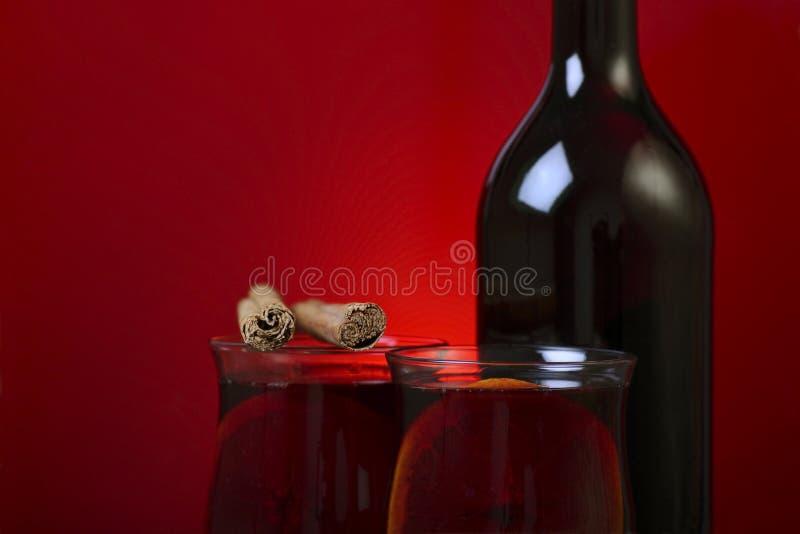cynamon rozmyślający wino zdjęcie stock