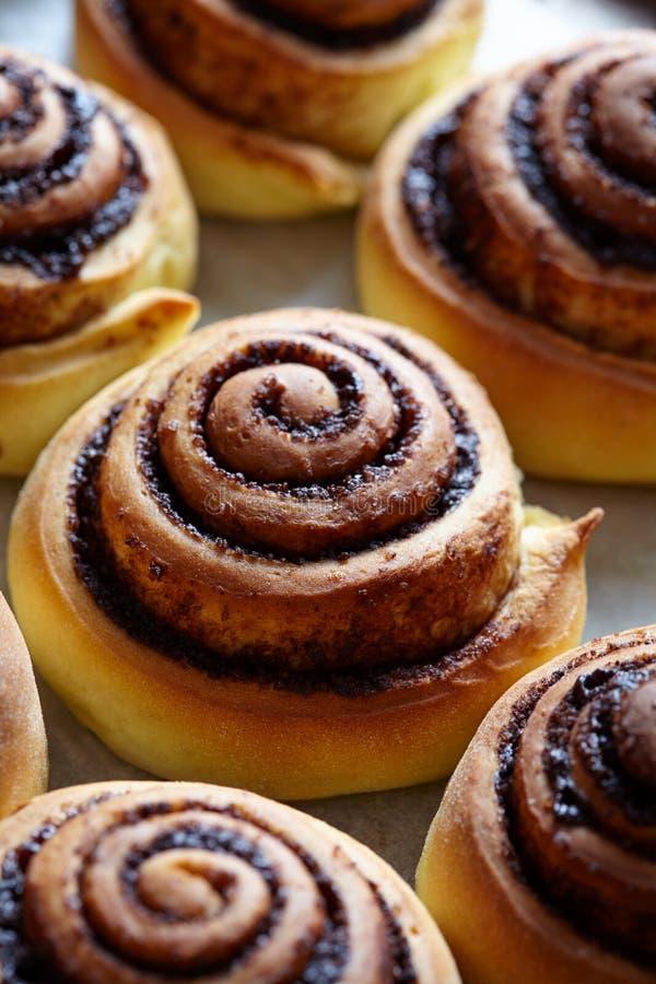Cynamonowej rolki chleb, babeczki, rolki piekarnia domowej roboty Słodki bożych narodzeń piec Kanelbulle - szwedzki deser zdjęcia stock