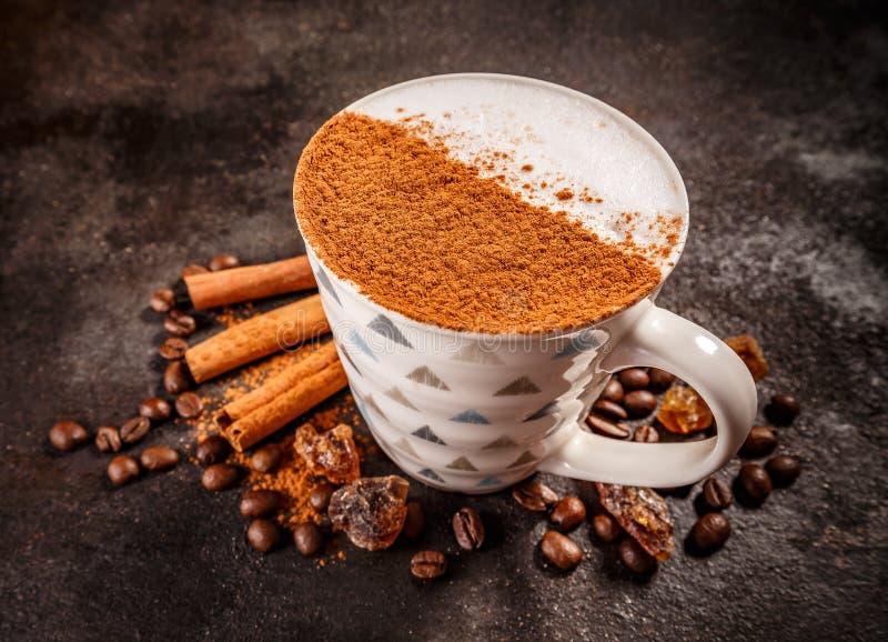 Cynamonowy spiced kawowy latte zdjęcie stock