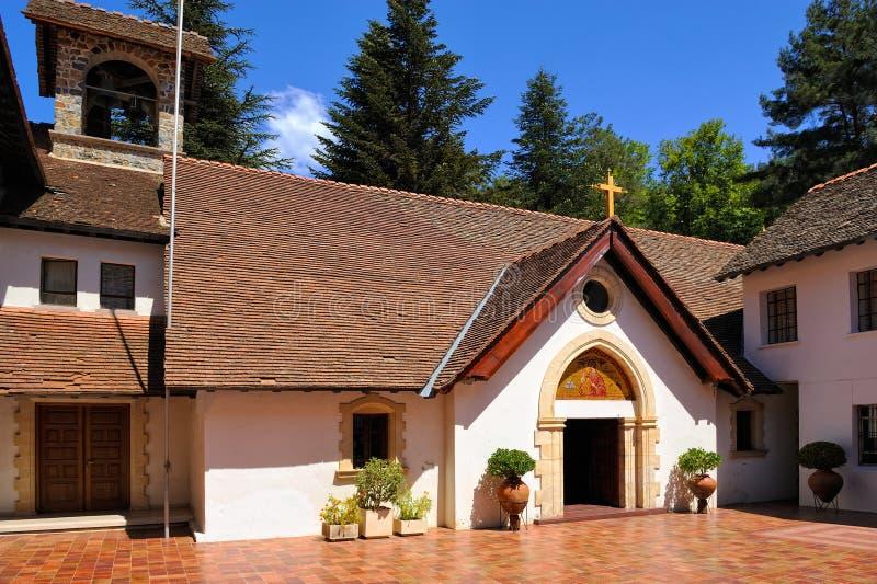 Cypr, mężczyzna Błogosławiony maryja dziewica Troodosskaya monaster zdjęcia royalty free