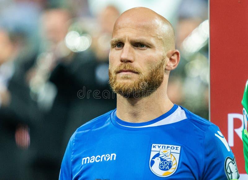 Cypriotisch nationaal team midfielder Andreas Avraam stock afbeelding