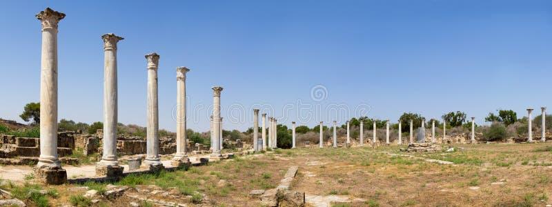 cyprus Ruïnes van de Roman regelingssalami (IV eeuw BC) Mening van het stadion royalty-vrije stock afbeelding