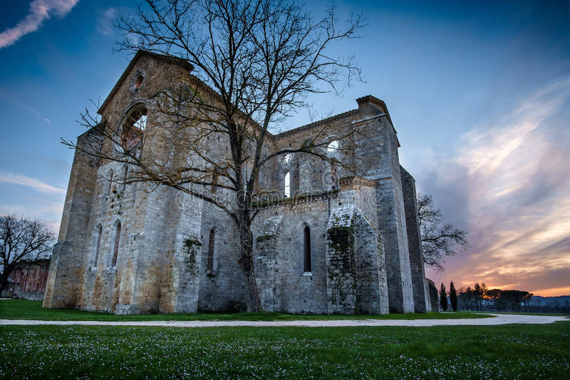 Cysterski opactwo San Galgano blisko Chiusdino, Tuscany, Włochy obraz stock