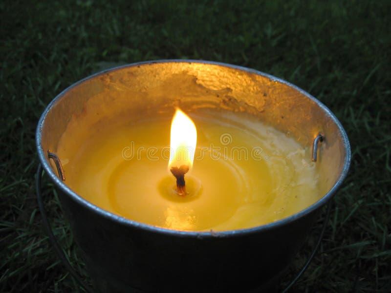 cytronelowa wiadro candle zdjęcie royalty free