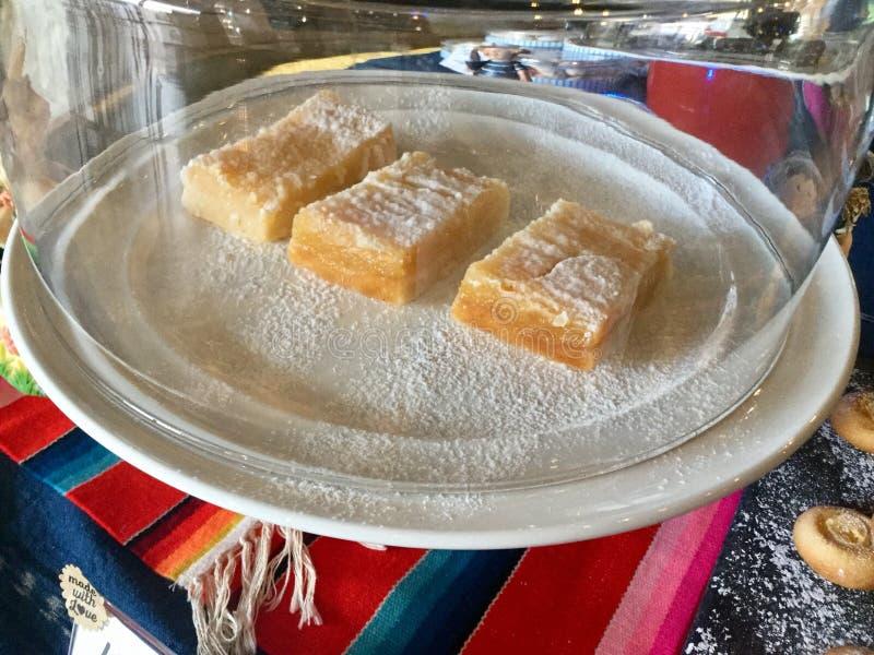 Cytryna bary na torcie zdjęcie stock
