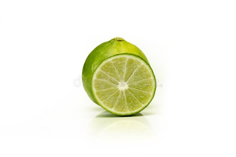 Cytryna owocowy plasterek odizolowywający na białym tle zdjęcie royalty free