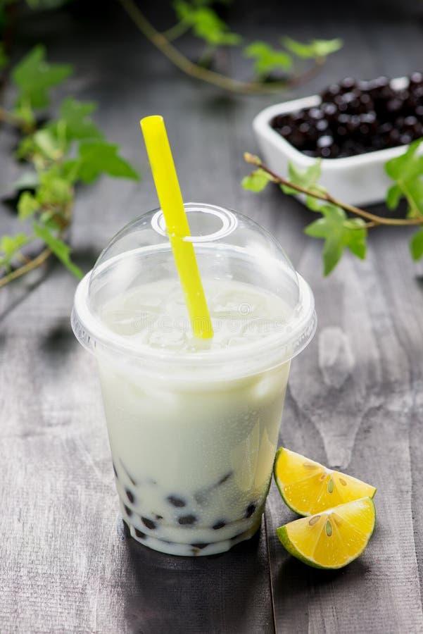 Cytryny Boba bąbla herbata z owoc i miażdżącym lodem fotografia royalty free