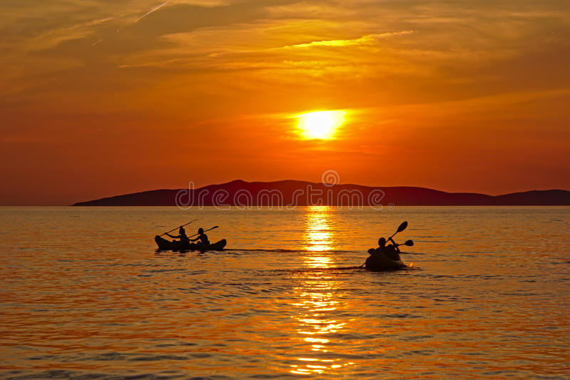 Czółna w Adriatic zmierzchu i morzu zdjęcie royalty free
