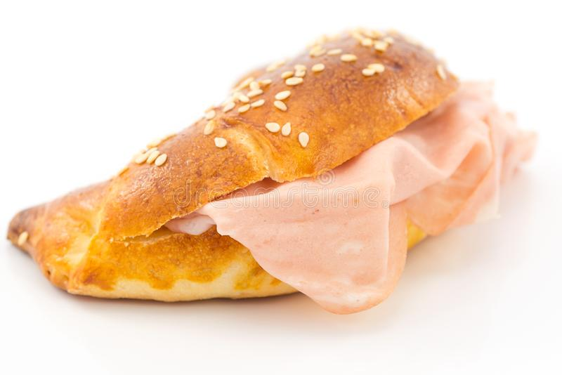 Cząberu croissant z mortadella obrazy royalty free