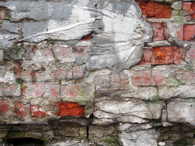 Część antyczna wietrzejąca grunge ściana z cegieł jako tło zdjęcia royalty free