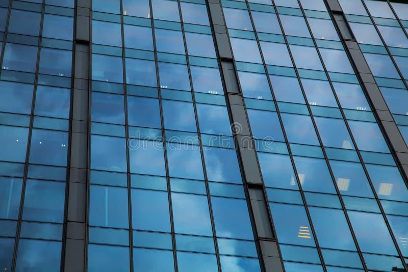 część fasada szklany drapacz chmur fotografia royalty free