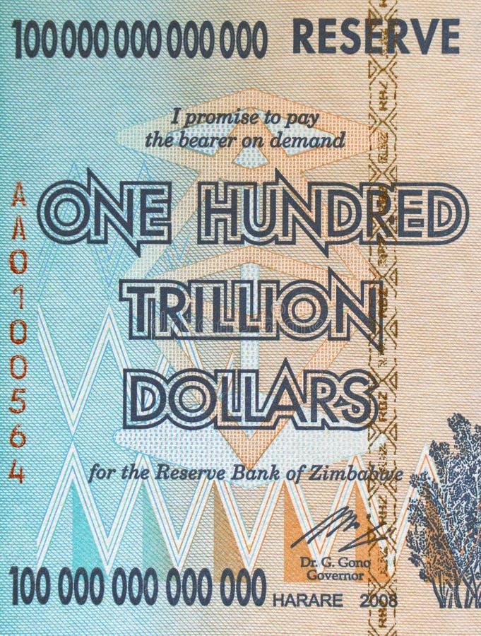 Część rachunek Zimbabwe, z nominalną wartością sto trylionów dolarów zdjęcie royalty free