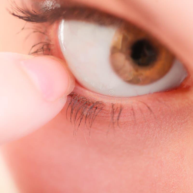 Część twarzy ludzkiego oka bólu cudzoziemski ciało zdjęcie royalty free