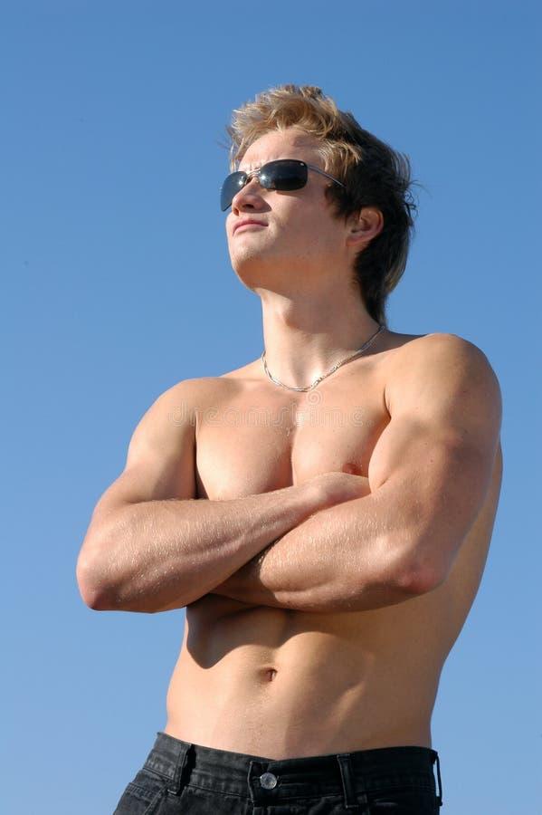 człowiek bez koszuli młodego fotografia stock