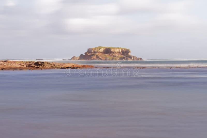 Czarci ` s stół Sainte Anne, Martinique - - Zasolona plaża - obraz royalty free