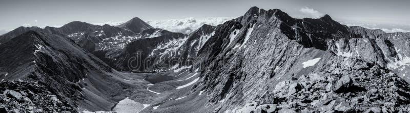 Czarna & Biała panorama - Kolorado Skaliste góry, Sangre De Cristo Rozciągający się obrazy stock