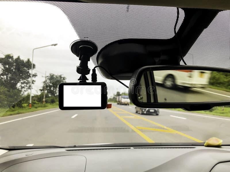 Czarna cyfrowa dashcam kamera instalująca w samochodzie blisko tyły obraz stock