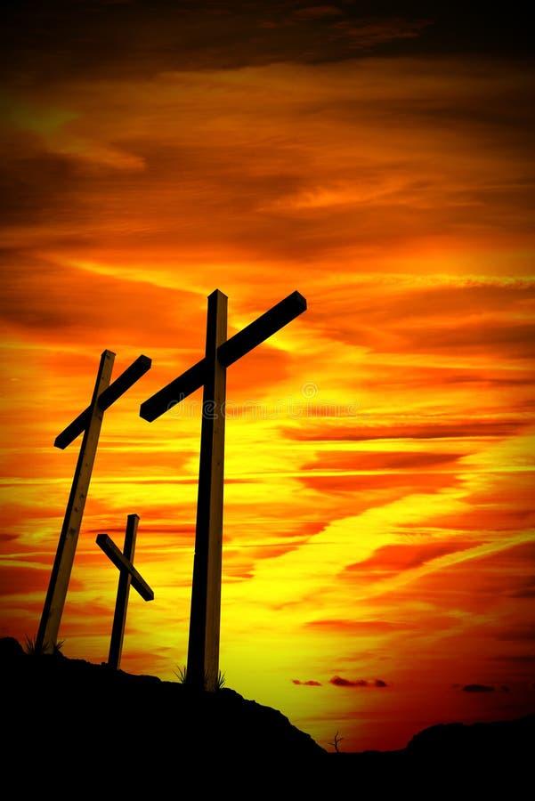 Czarna sylwetka Trzy krzyża przy zmierzchem obrazy royalty free