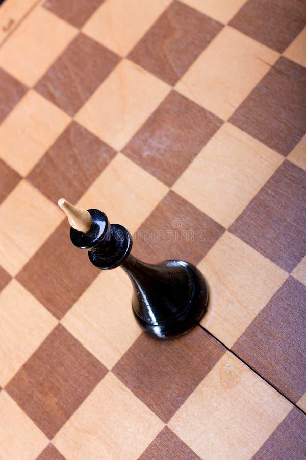 Czarna szachowa królowa na pokładzie obrazy stock