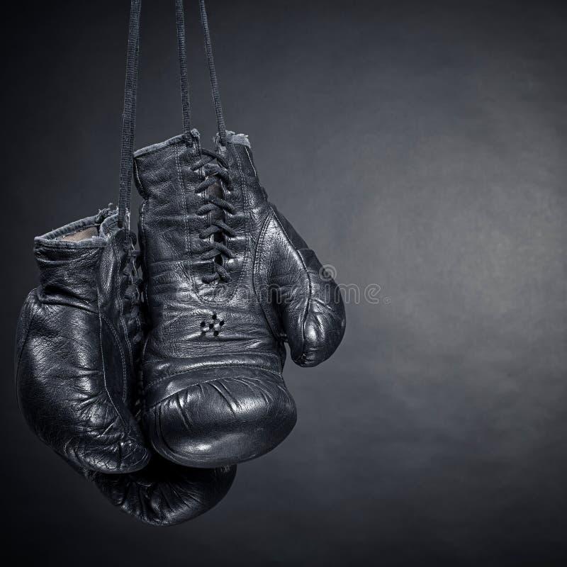 Czarne bokserskie rękawiczki zdjęcie stock