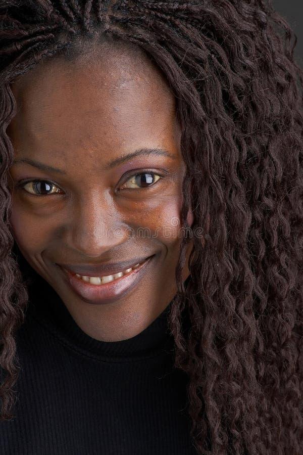 czarne dziewczyny się uśmiecha obraz stock