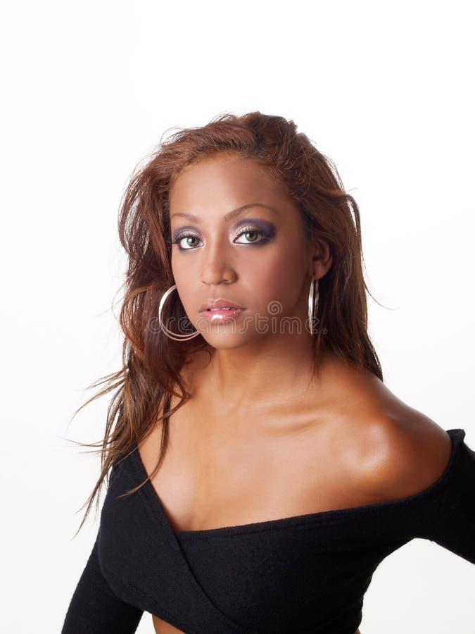 czarne pewni portret kobiety mieszanych sweter young zdjęcie royalty free