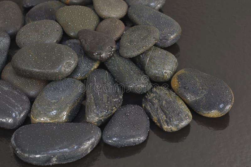 Czarni bazaltów kamienie zdjęcia stock