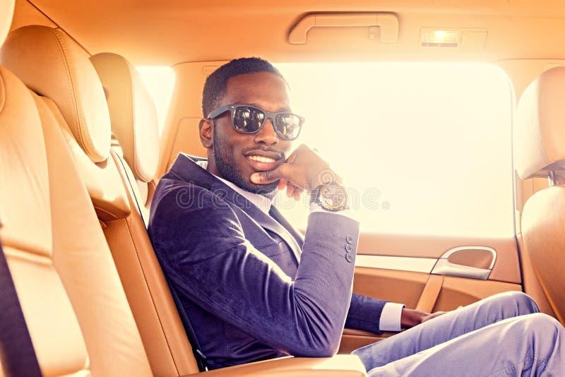Czarny Amerykański mężczyzna w samochodzie fotografia stock