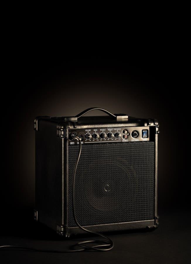 Czarny Basowej gitary amplifikator obraz royalty free