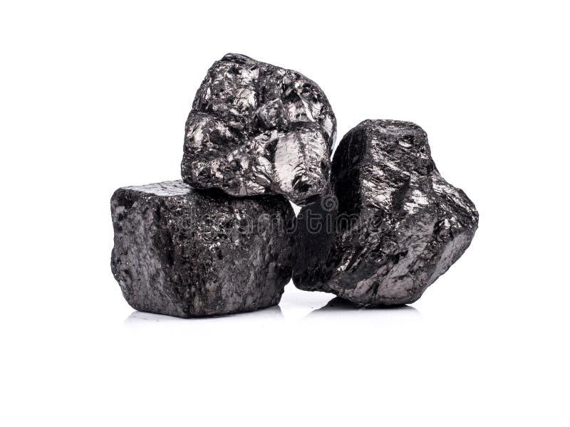 czarny bitumiczny węgiel na białym tle zdjęcie royalty free