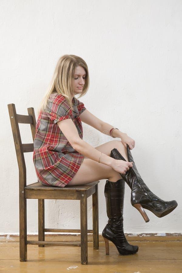 czarny blondynów buta dziewczyny czarny zamek błyskawiczny obrazy royalty free