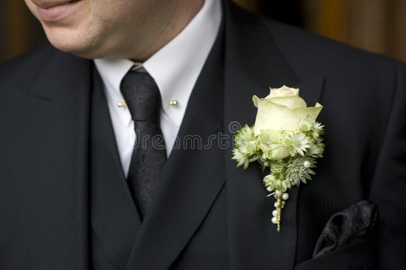 czarny buttonhole mężczyzna róży kostiumu biel zdjęcia stock