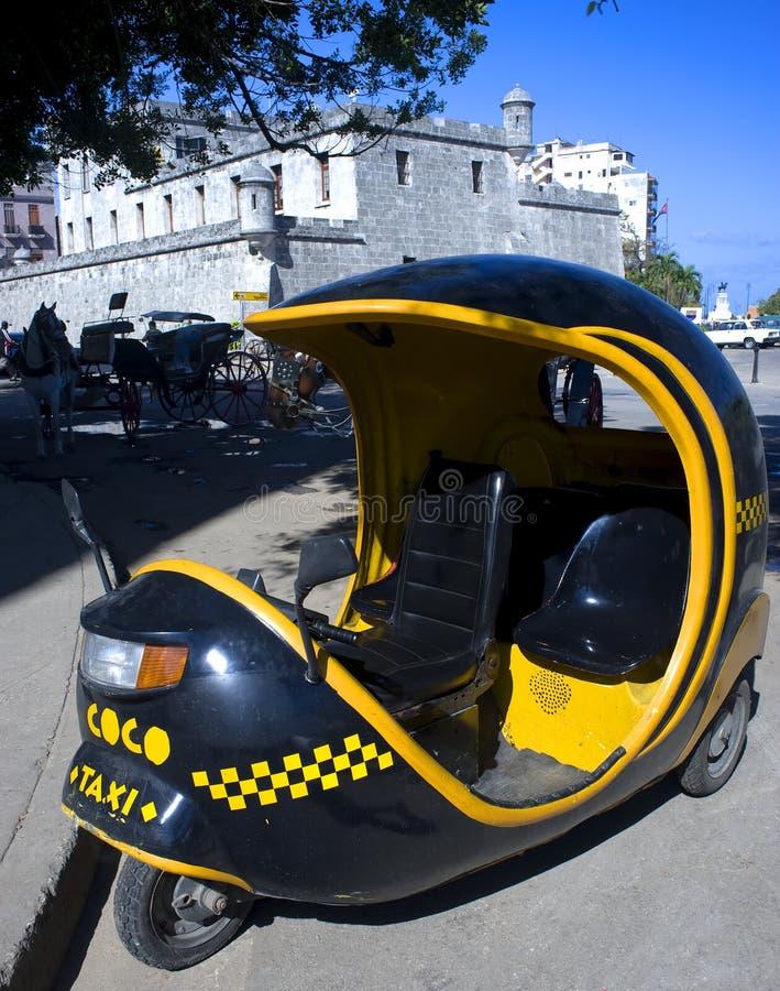 czarny coco Cuba Havana taxi zdjęcia stock