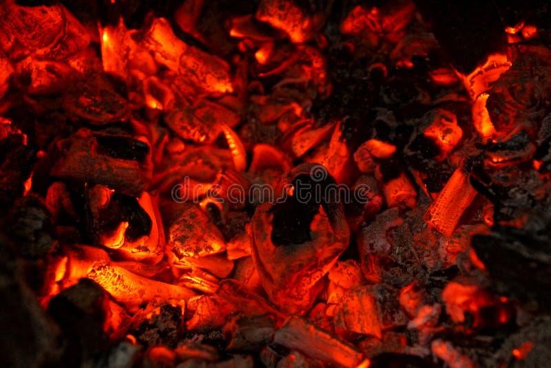 Czarny czerwony upał od węgli ogień zdjęcie stock