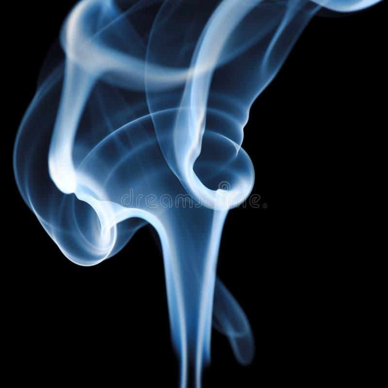 czarny dym niebieski tła zdjęcia royalty free
