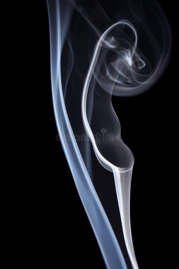 czarny dym niebieski tła obraz stock