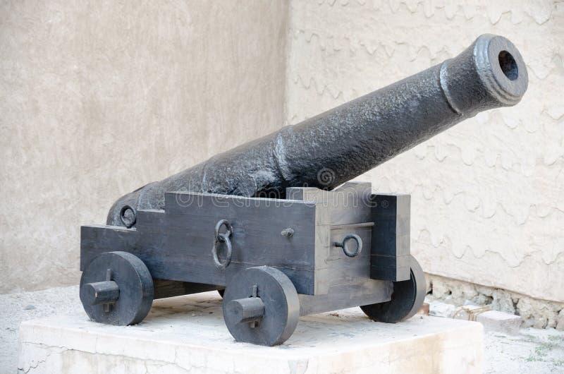 Czarny działo, Dubaj muzeum przy Al Fahidi fortem, UAE obrazy stock