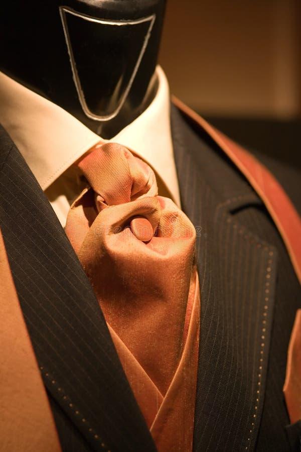 czarny garnitur to krawat brown fotografia stock