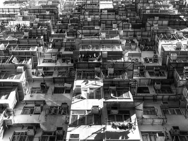 Czarny i biały brzmienie, budynki mieszkalni w Hong Kong obrazy stock