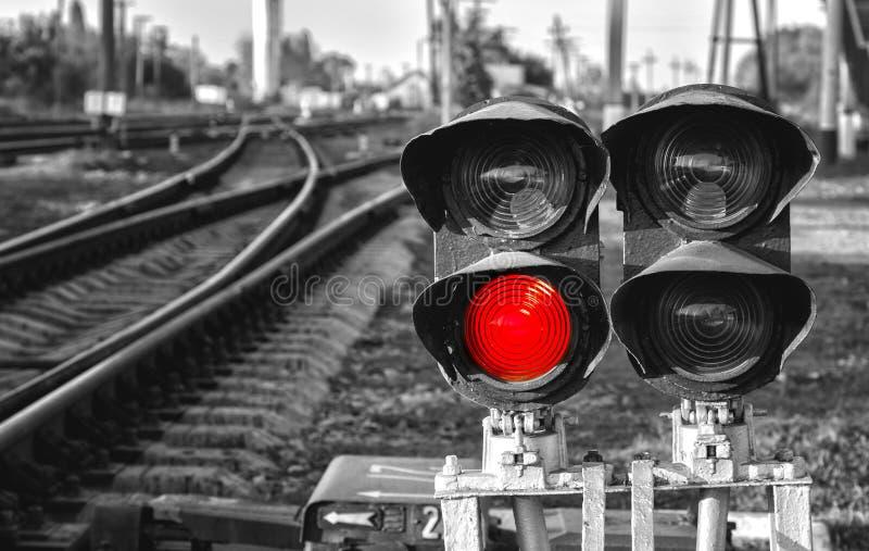 Czarny i biały czerwień sygnał na kolei obraz royalty free
